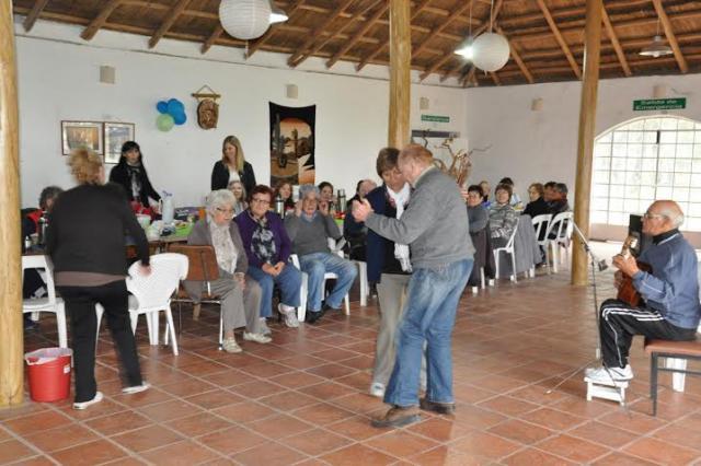255 Personas Est  N Integradas Al Programa  Abuelos Conectados